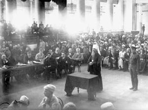 Митрополит Вениамин Петроградский на большевистском судилище
