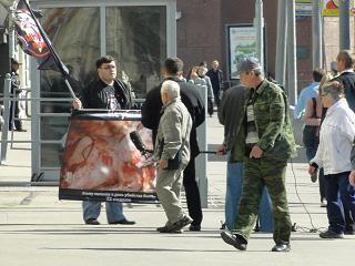 dumakonst - Во время пикета Госдумы депутат Ярослав Нилов объяснил свою позицию по вопросу запрета абортов