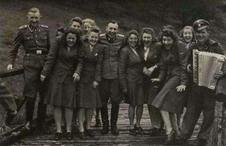 Сотудники Освенцима на отдыхе