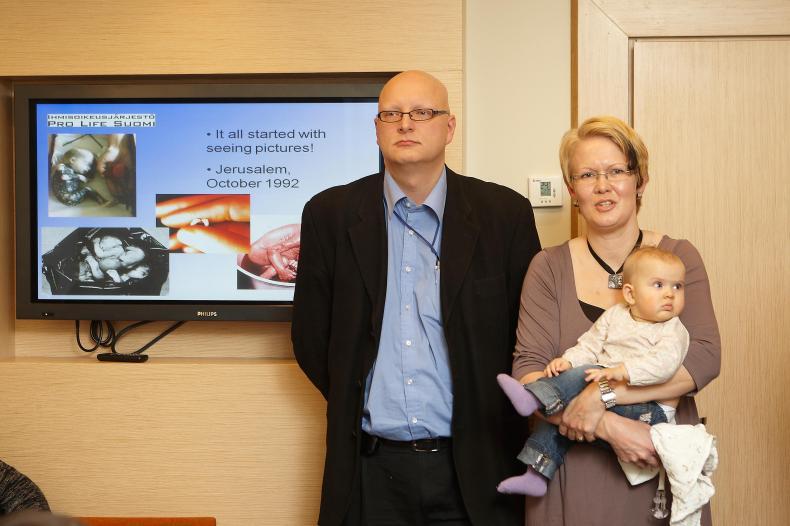 Ханна и Мирко Бруммеры с ребёнком