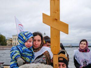 25 6 - Крестный ход за запрет абортов состоялся, несмотря на предупреждение МЧС
