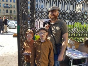 47 13 - Акция антиабортных организаций в День защиты детей